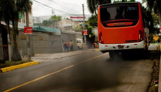 Gallegos: Extender la vigencia para usar buses viejos es una irresponsabilidad