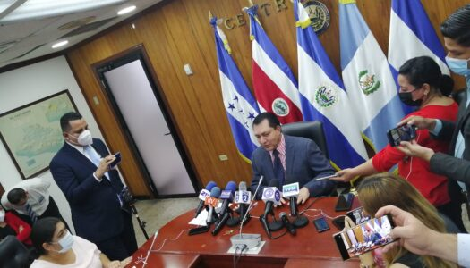 """Ponce: En mi administración todo fue por mayoría, nada """"discrecional"""" o """"presidencialista"""""""